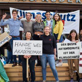 Über 300 Menschen bei Klimaschutz-Demo in Wiener Neustadt